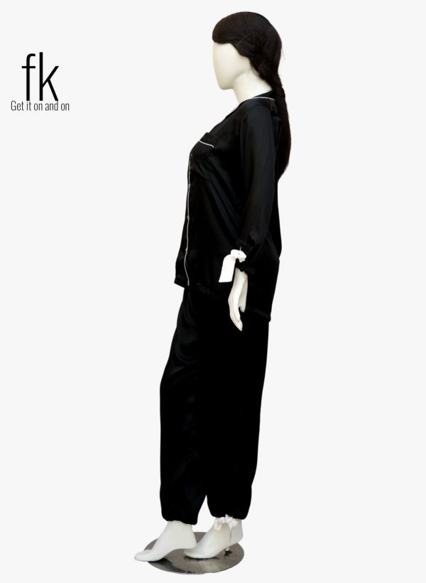Black Silk in knot style for your elegance
